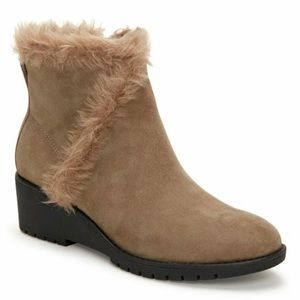Adam Tucker Me too tan faux fur accent suede boots